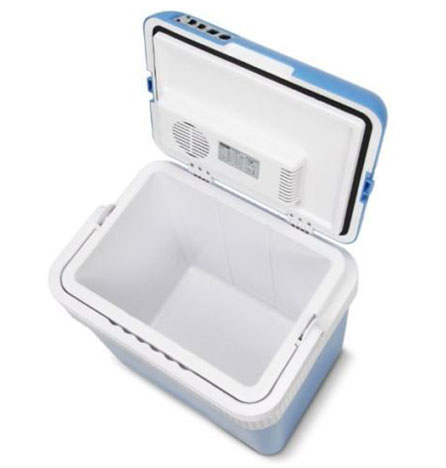 Хладилна чанта, в която може да сложиш своите пресни храни и напитки.