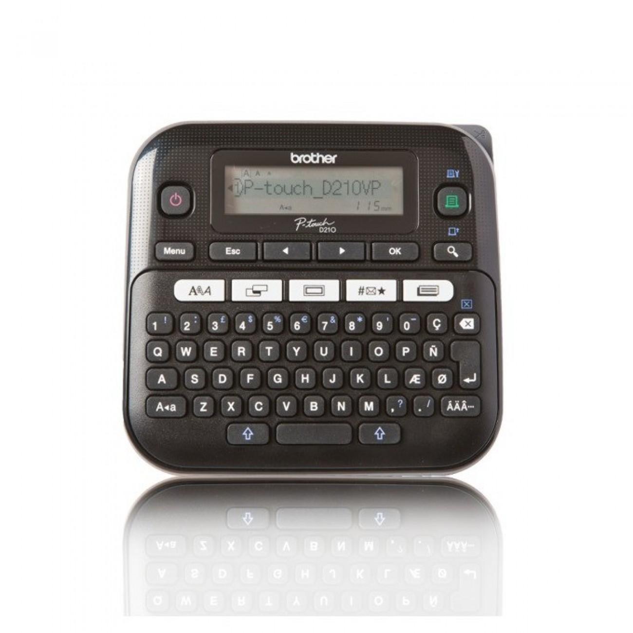 Етикетен принтер Brother PT-D210VP, LCD дисплей, ширина на етикета 3.5, 6, 9 и 12мм, скорост 20 мм/сек, QWERTY клавиатура в Стативи -    Alleop
